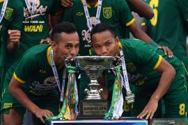 Juara Piala Gubernur, Aji Santoso berharap konsistensi pemain Persebaya