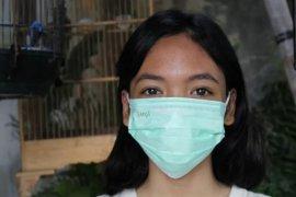 Ini cara melepas masker bedah yang benar menurut dokter
