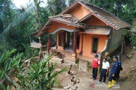 Wabup Garut: Rumah terdampak tanah longsor sudah tidak layak ditempati