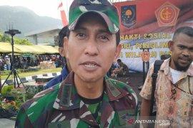 FLASH - KKB tembak Koramil, seorang anggota TNI terluka