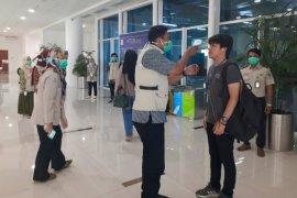 Petugas KKP masih siaga deteksi penumpang di Bandara Jambi