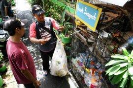 Program Samtama Kurangi Sampah Jakarta Page 1 Small