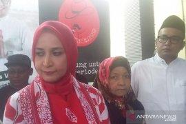 Berkas dukungan belum siap, Faida-Vian tunda serahkan berkas dukungan calon perseorangan ke KPU