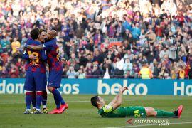 Barcelona gulung Eibar 5-0, Lionel Messi borong caturgol