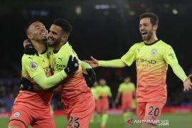 Juara bertahan Man City ke perempat final Piala FA