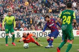 Messi borong caturgol saat Barcelona gulung Eibar 5-0