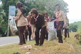 Pramuka Saka Kalpataru Bangka gelar kegiatan pungut sampah