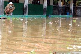 Banjir rendam ribuan rumah di Karawang