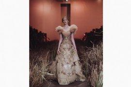 Desainer asal Indonesia Hian Tjen pamerkan koleksinya di Milan Fashion Week