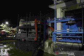 Tiga pintu air Jakarta berstatus siaga tiga