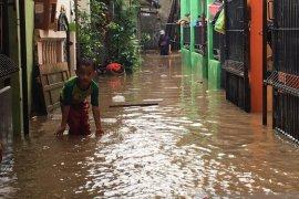 Bantuan dapur umum sangat dibutuhkan korban banjir di Kota Bekasi