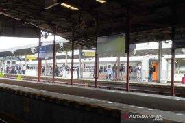 Imbas banjir di Jakarta, perjalanan kereta di Daop Cirebon terlambat