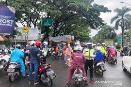Operasi tertib kendaraan bermotor, Samsat Bogor raup Rp114 juta dalam sehari