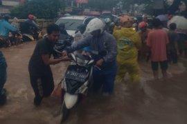 30 jalan di Jakarta Timur terendam banjir Selasa pagi