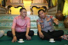 Sultan Kadariah Pontianak sambut Kapolda di Keratonnya