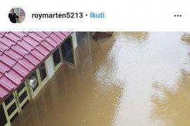 Rumah Roy Marten kembali kebanjiran
