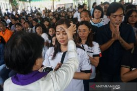 Ratusan umat Katolik Misa perdana di Gereja Katolik Desa Maboh Permai