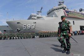 Panglima TNI Hadi Tjahjanto meninjau lokasi observasi WNI di Pulau Sebaru Kecil