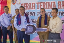 Indocement supports improving quality of S Kalimantan vocational school graduates