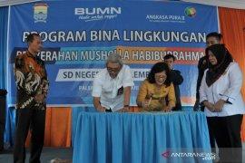 Angkasa Pura II beri bantuan pembangunan musholla Sekolah di Palembang Page 1 Small