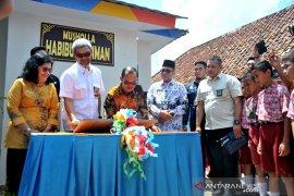 Angkasa Pura II beri bantuan pembangunan musholla Sekolah di Palembang Page 3 Small