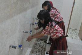 Angkasa Pura II beri bantuan pembangunan musholla Sekolah di Palembang Page 2 Small