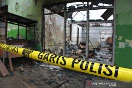 Sebuah panti pijat di Kupang terbakar