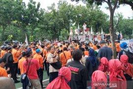Kementerian BUMN didemo, massa minta libatkan serikat pekerja saat rombak direksi