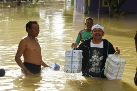 Dedi Mulyadi kirim bantuan untuk korban banjir di Karawang
