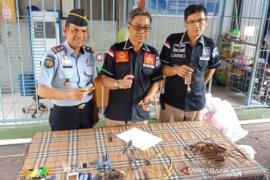 Video - Sidak petugas gabungan nihil temuan Halinar di Rutan Kandangan