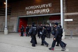 Liga Europa: badai paksa Salzburg vs Frankfurt ditunda sehari