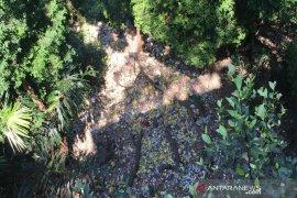 Sampah bertaburan di Puncak Geurute, KLH Aceh Jaya terkesan tutup mata
