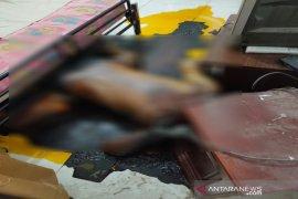Polisi selidiki mayat membusuk dalam rumah