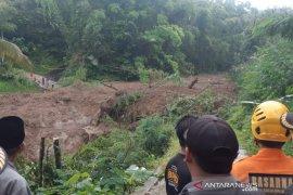 BPBD: Pergerakan tanah di Cisayong Tasikmalaya masih terus terjadi