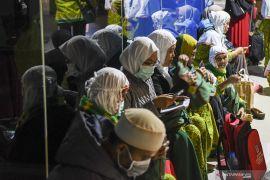 Biro perjalanan umrah di Banjarmasin kaget penundaan umrah