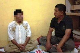 Polisi tangkap seorang guru diduga cabuli 10 muridnya