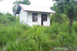 Bupati Aceh Jaya beri waktu 30 hari selesaikan rumah translok