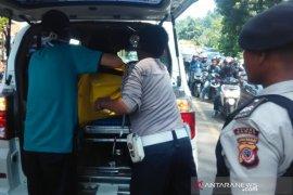 Pengendara sepeda motor tewas terlindas bus di Jalan Raya Malangbong Garut