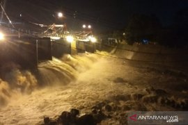 Hujan kawasan Puncak, Bendung Katulampa Bogor berstatus Siaga IV