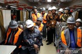 Menteri Perkeretaapian Bangladesh tinjau INKA Madiun