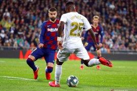 Liga Spanyol, Real Madrid puncaki La Liga setelah taklukan Barcelona 2-0