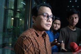 Mantan Bupati Bogor Nurhayanti dikonfirmasi soal pengumpulan uang ke dinas-dinas