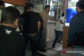 Polisi lumpuhkan tiga pembobol ATM