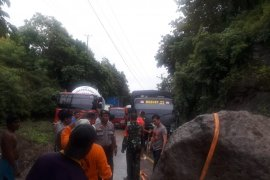 Longsor tutup akses transportasi di bagian barat Gorontalo Utara