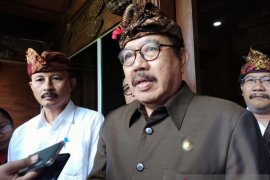 Wagub Bali minta hotel tidak  PHK karyawan