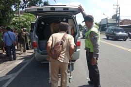 Mantan Ketua KPU Tulungagung tabrak gadis jatuh dari motor hingga tewas