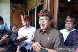 Wagub Bali minta deteksi kesehatan wisatawan di bandara dilakukan terbuka (video)