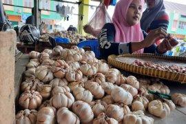 Harga bawang putih di Jambi masih mahal