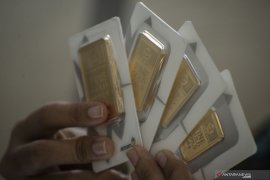 Fed pangkas suku bunga, harga emas berjangka melonjak 49,6 dolar AS