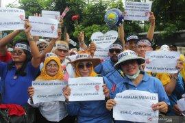 Unjuk rasa pendukung Memiles